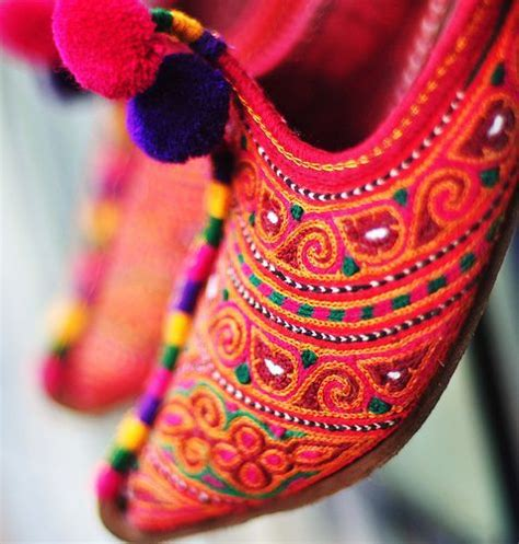 Handmade Pakistan - handmade khussas shoes all the way from