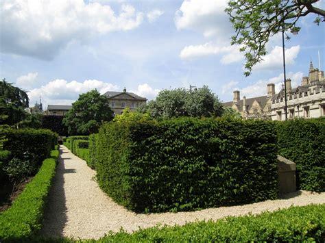 Oxford Botanical Gardens Of Oxford Botanic Garden Botanic Garden In Oxford Thousand Wonders