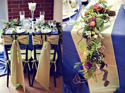 Summer Wedding Idea: An Elegant Blue and Gold Wedding