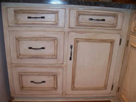 Kitchen Cabinet Glaze by Before And Afters Clients Paint And Glaze Their Kitchen