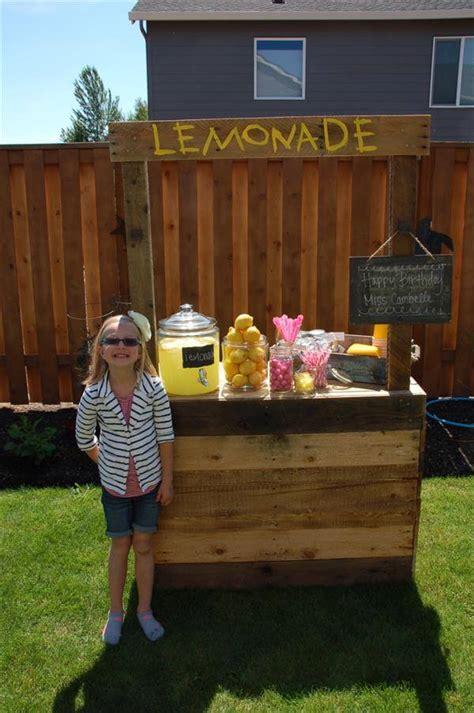 diy pallet lemonade stand  pallets