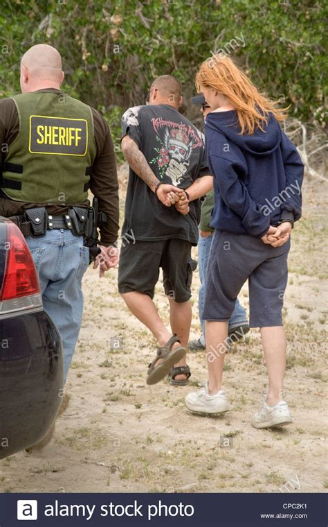 Search Outstanding Warrants Sheriff S Deputies Arrest A Homeless On An Outstanding Warrant Stock Photo