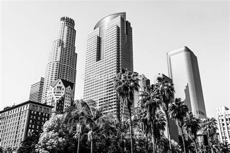 image downtown los angeles buildings in black and white