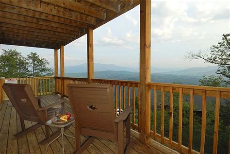 Cabin Rentals In Gatlinburg Tn With Pool by Pigeon Forge And Gatlinburg Cabin Rentals With