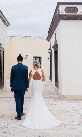 Pronovias Ornani, $1,200 Size: 0   Used Wedding Dresses