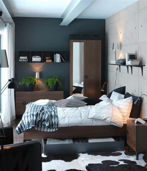 Formidable Deco Petite Chambre Adulte #1: lit-adulte-dans-la-chambre-a-coucher-but-idées-intérieur-stylé-aménagement-petit-espace.jpg