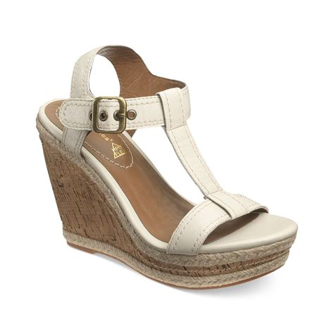 hush puppies white lyst hush puppies renown tstrap platform wedge sandals