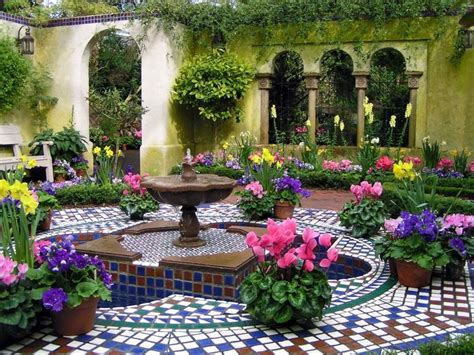 italian courtyard courtyards pinterest