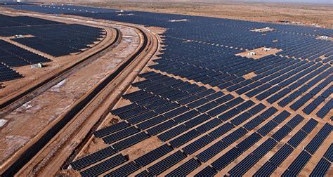 indian state  gujarat  host  mw solar power park