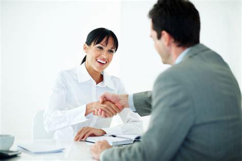 preguntas frecuentes en una entrevista para recepcionista todo lo que necesitas saber para trabajar como