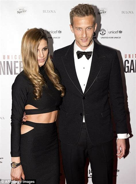 Carpet World Manchester by Photo Gallery Man United Wags Including Robin Van Persie
