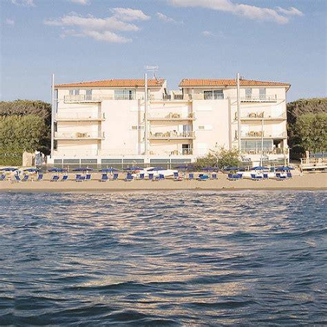appartamenti san vincenzo sul mare residence in toscana sul mare con spiaggia privata