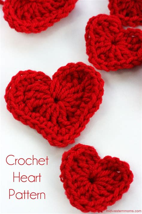 heart pattern in crochet how to crochet a heart plus diy heart garland midwestern