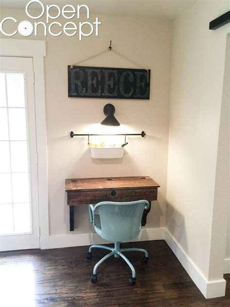Diy Floating Desk 25 Best Floating Desk Ideas On Pinterest Rustic Desks Industrial Nightstands And