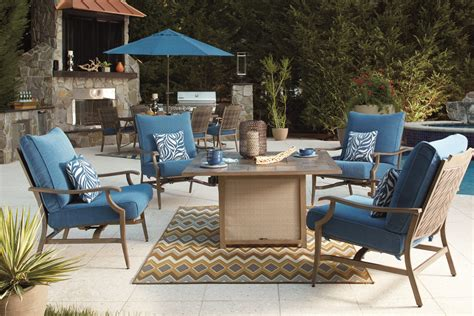 patio and outdoor living space ideas furniture