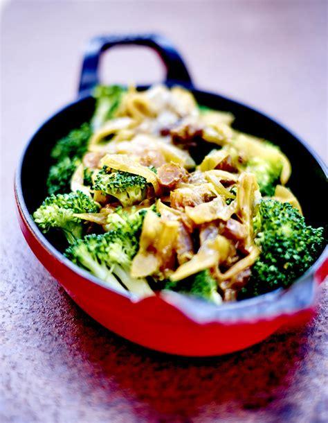 cuisine brocolis brocolis sauce oignon et raisin pour 6 personnes