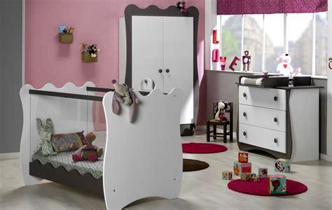 chambre bébé tendance cuisine blanc et taupe