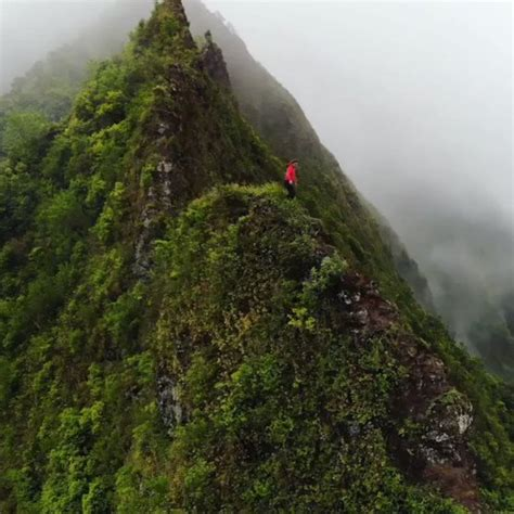 chelsea yamase who wants to go hiking in hawaii chelsea