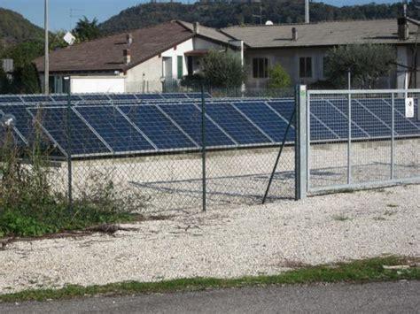 Recinzione In Rete Metallica by Recinzioni In Rete Metallica Per Impianti Fotovoltaici