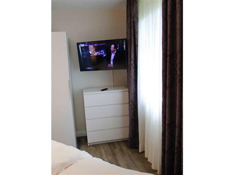 fernseher im schlafzimmer ferienwohnung bergblick harz goslar hahnenklee