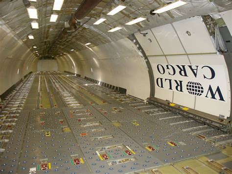 Dc 10 Interior by File World Cargo Dc 10 Interior Jpg Wikimedia Commons