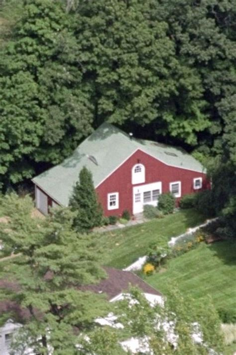 15 old house lane hillary clinton house in chappaqua ny pictures of