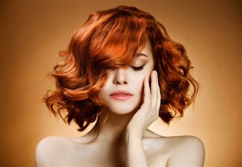 can hair be slightly curly or wavy medium long slightly curly redhead hairstyles hair