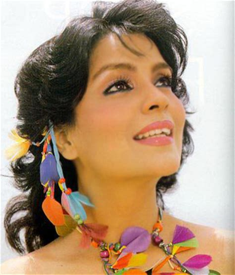 biography of zeenat aman zeenat aman indian beauty biography and photo gallery