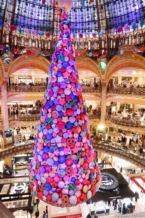 christmas tree in lafayette tree at galeries lafayette in and decorations della vita