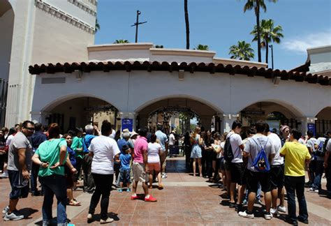 theme park queue jump universal studios launches vip tickets benefits include
