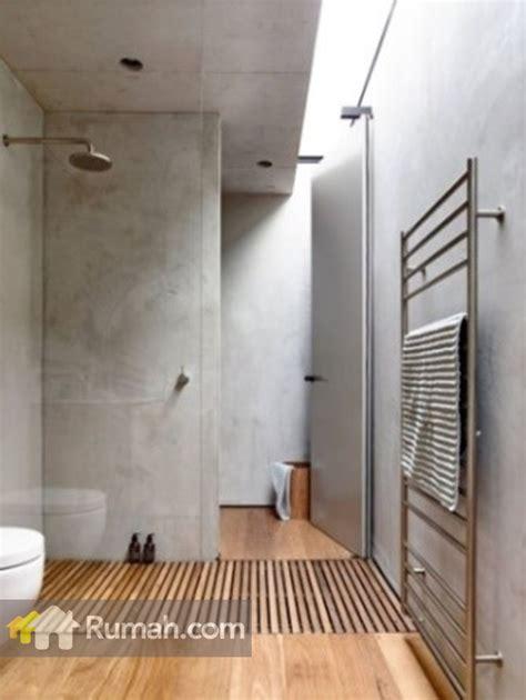 desain kamar mandi industrial dinding unfinished ciri khas gaya industrial rumah dan