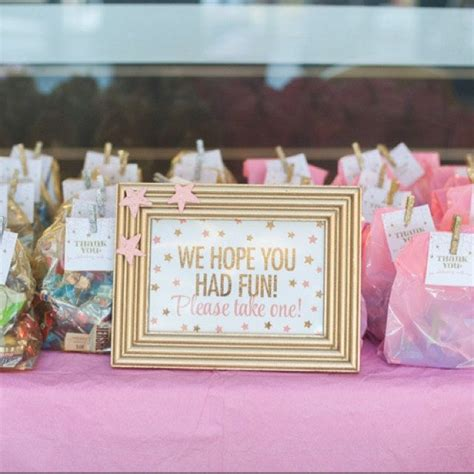 What Do You Take To A Baby Shower by Best 25 Baby Shower Favors Ideas On Baby