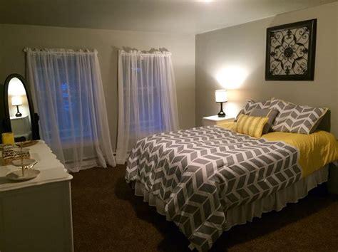 brown bedroom carpet 25 best ideas about dark brown carpet on pinterest