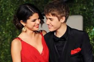Justin Bieber And Selena Gomez Vanity Fair by Justin Bieber Posts Picture Of With Selena Gomez See