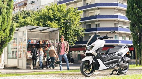 yamaha nmax  premium motosiklet