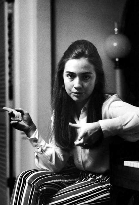 hillary clinton s childhood rare and embarrassing photos of a young hillary clinton