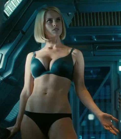 Cool Coffe Mugs by Star Trek Movie Here S Alice Eve In Her Underwear