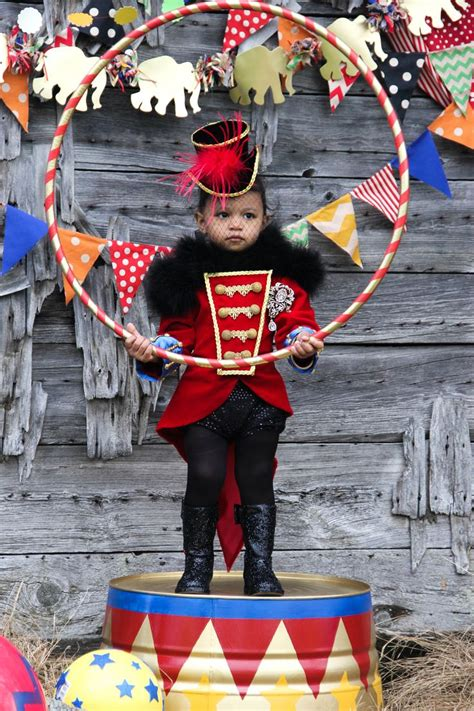 carnival themed costumes 25 best ideas about ringmaster costume on pinterest