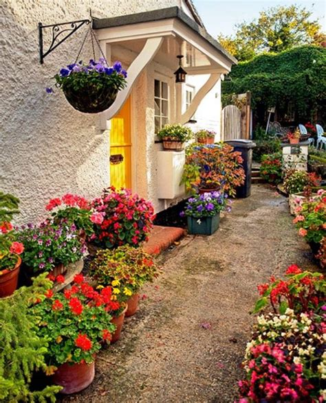 garden basket ideas awesome garden flower baskets ideas to be placed
