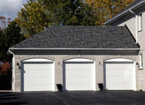was kostet ein garagentor kosten f 252 r garagentor 187 wie teuer sind material montage