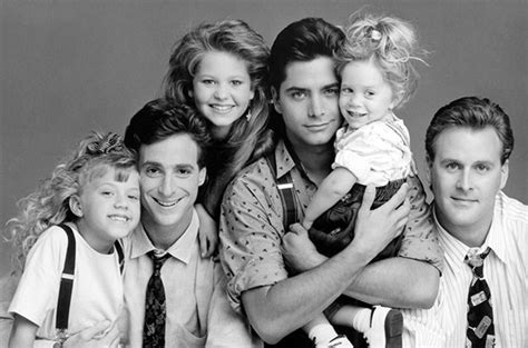 Watch full house cast reunite and sing the theme song