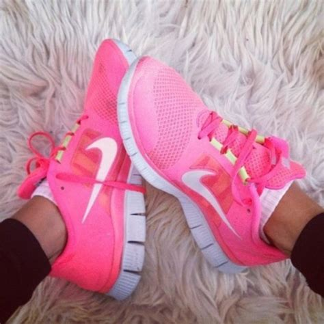 pink athletic shoes shoes pink nike nike shoes nike sneakers pink shoes