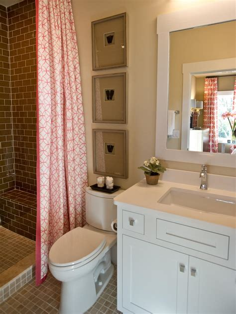 Bathroom Ideas Hgtv Guest Bathroom From Hgtv Smart Home 2013 Hgtv Smart Home 2013 Hgtv