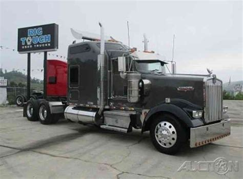 kenworth studio sleeper sofa kenworth w900l 2005 sleeper semi trucks