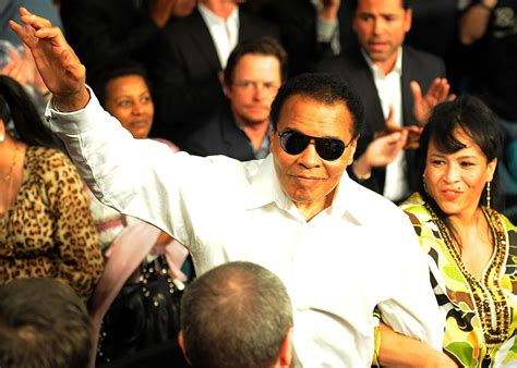 muhammad ali biography family muhammad ali s peaceful death surrounded by family and