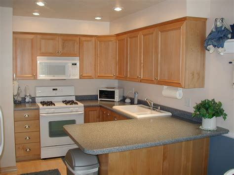 Kitchen Makeovers With White Appliances Kitchen Remodel With White Appliances Kitchen And Decor