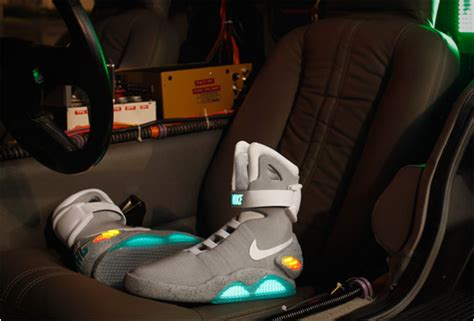 imagenes nike volver al futuro limited edition 2011 nike mag back to the future sneakers