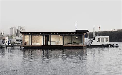 Airbnb Houseboat by Modernes Hausboot Am Fluss Wohn Designtrend