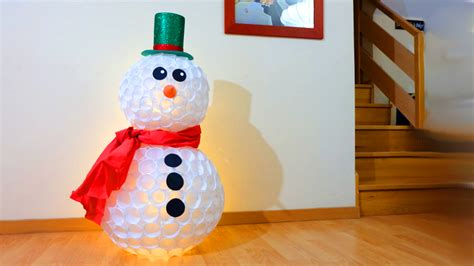 mueco de nieve con pocos vasos de plastico como hacer un mu 241 eco de nieve con vasos reutilizados