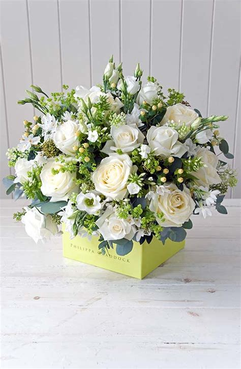flower arranging step by step how to make a table arrangement by philippa craddock flowerona